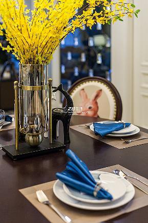 白领 混搭 三居 收纳 80后 小资 文艺青年 舒适 温馨 餐厅图片来自中博装饰在吉祥半岛138方美式混搭舒适居家的分享