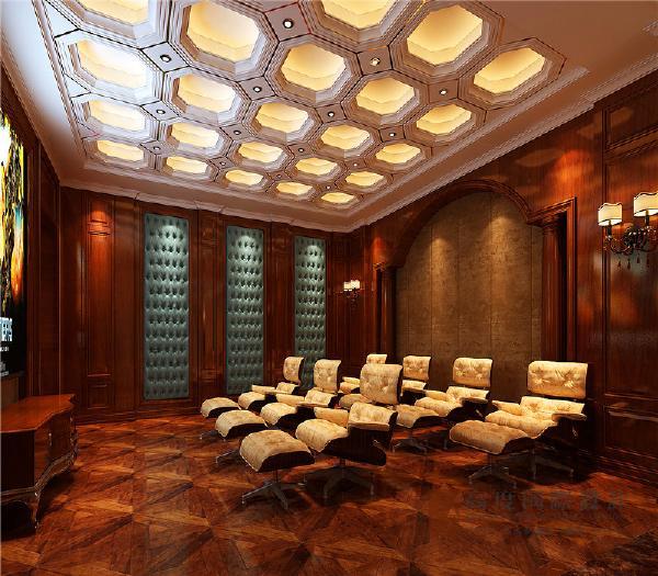 影音室:整体设计以金色和咖啡色为基调,金色的吊顶镶边,金色充斥在每一个空间的元素中,将古典元素融入的淋漓尽致。
