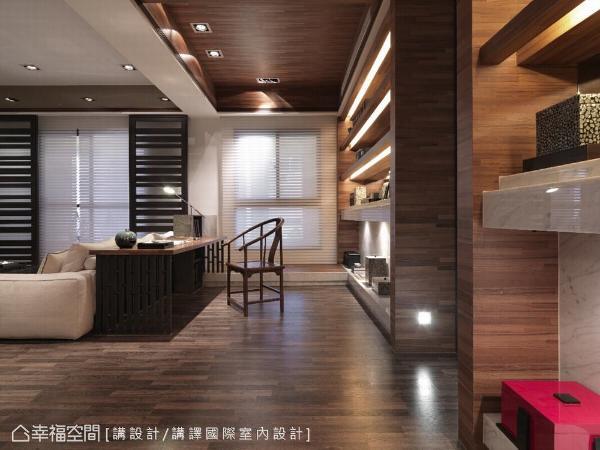 中、西式家具并陈,搭配丰富的光影变化,完美诠释出中西合璧的迷人风韵。