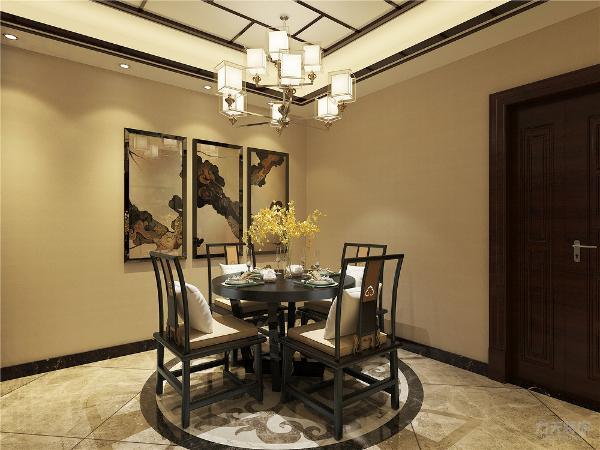 沙发背景墙为水墨笔画,加装饰木板、木条。客餐厅中间位置依靠深色木材雕刻版区分,餐厅地面为圆形地面拼花,走廊吊顶为不贴边平顶造型,地面为波打线和400*400地砖。