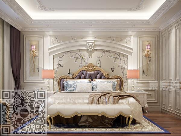 主卧的墙面进行法式雕花装饰,显得高贵典雅,地板选用了褐色木材,与卧室的整体颜色对比鲜明更显大气、尊贵之感。