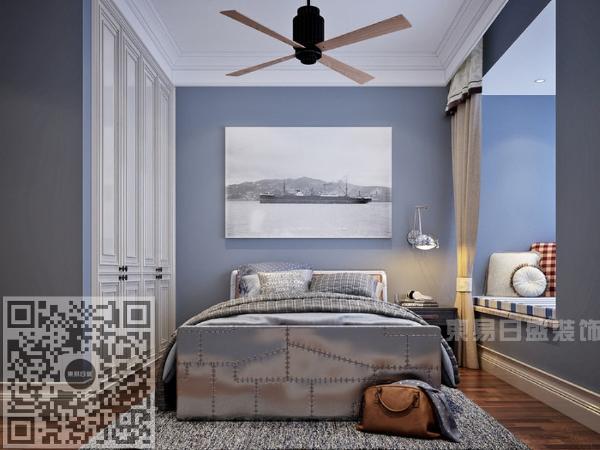 次卧以蓝色色调为主,和其他空间形成对比。简单的吊顶设计,为业主营造出自然惬意之感,简约的飘窗设计与高贵大气的蓝色搭配的相得益彰,更显沉稳之气。