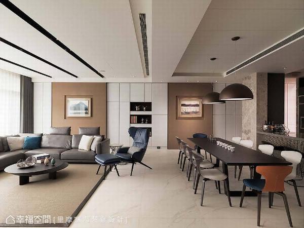 客、餐厅设计以画作为主题,如家具颜色与形式的选购、由矿物漆所涂抹的拉门,均围塑出统一的色调与氛围。