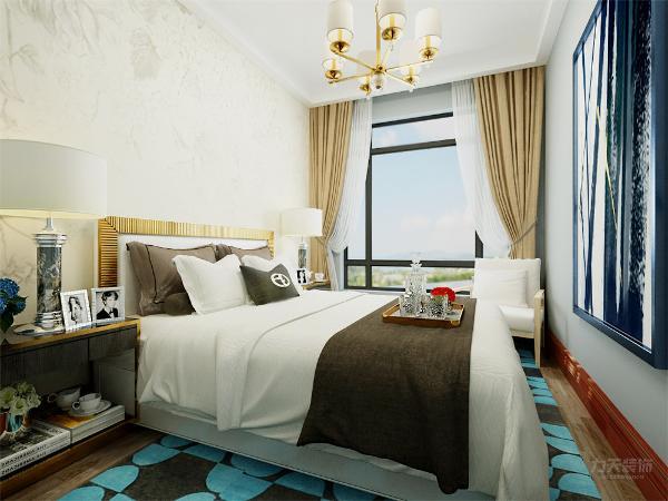 主卧整个设计的都非常休闲,地毯很好的和床被相融,加上一副大型的壁纸,使得整个卧室年轻充满活力的感觉。