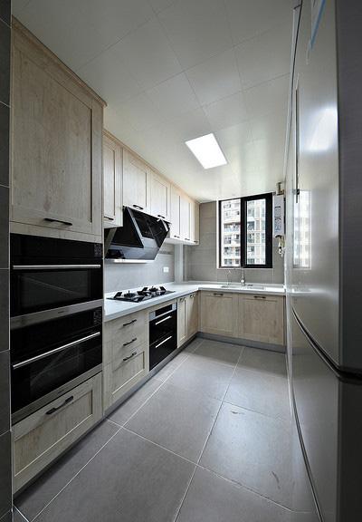 厨房图片来自家装大管家在107平原木北欧3居 回归简单原味的分享
