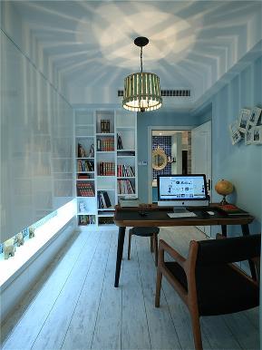 美式 三居 80后 小资 大户型 简美 白领 书房图片来自高度国际姚吉智在148平米清新简美三居简而不凡的分享
