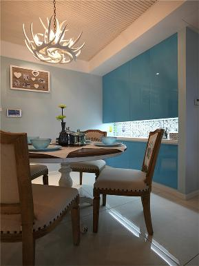 美式 三居 80后 小资 大户型 简美 白领 餐厅图片来自高度国际姚吉智在148平米清新简美三居简而不凡的分享