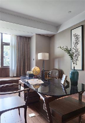 书房图片来自家装大管家在168平新中式4居 温馨轻松风情的分享