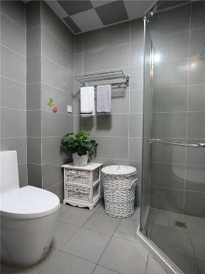 简约 三居 公寓 80后 小资 白领 卫生间图片来自高度国际姚吉智在130平米现代简约三居蓝精灵的分享