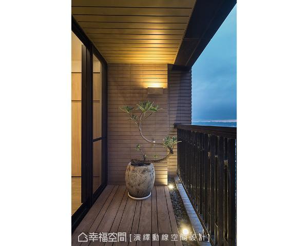 天地壁均利用木元素修饰,铺上石头、摆放植栽形成园艺造景,营造出放松休闲氛围。
