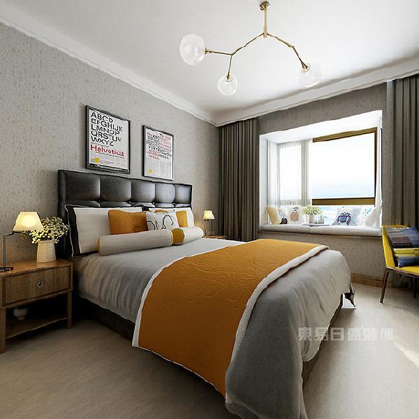 由于北欧区域天气长年积雪,而灰色的木地板与墙壁,能够让卧室看起来更通透明亮。因此北欧风格往往不使用瓷砖抑或是地毯等建材用品,而是木地板,增加室内的采光效果。