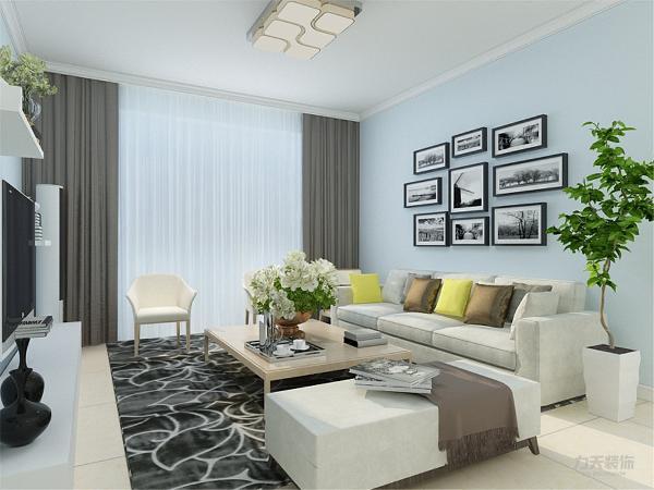 客厅,没有采用复杂的造型,只是简单的石膏板造型处理和家具来做装饰,从而突出简约但并不简约的感觉。在沙发的背景墙,用清新的淡蓝色乳胶漆来烘托整个空间的干净和谐的氛围。