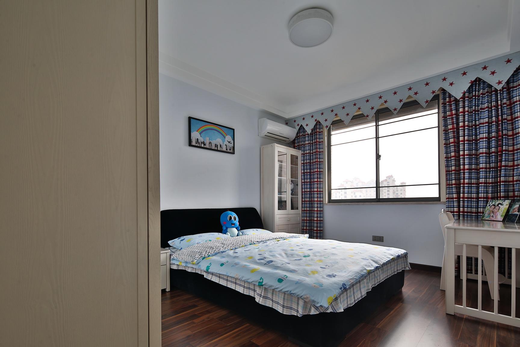 卧室图片来自新浪家居江西站在梵顿公馆的分享