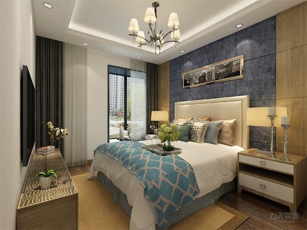 卧室地面采用强化复合地板。餐厅和客厅地面采用800*800的地砖,客厅顶面采用回字形吊顶