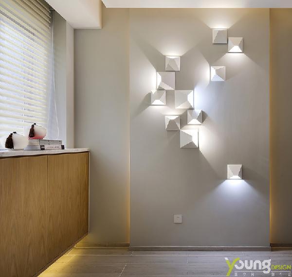 【深圳漾空间设计有限公司】漾设计Young Design——总有一盏属于你的万家灯火,这是一件叫人安心的事情。而关于家的归属感,可能并不在于富丽堂皇的外观,而在于家中一起生活的爱人,温暖而幸福,足矣。