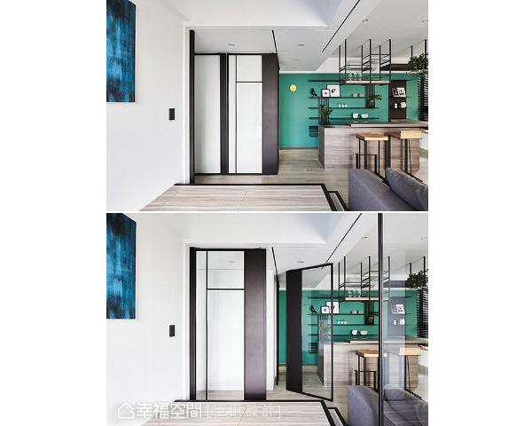 每一片拉门皆有不同线条造型,在门扇移动过程中,屋主可透过框景一览室内风景,无形中增加生活趣味性,亦加强人与空间的情感互动。