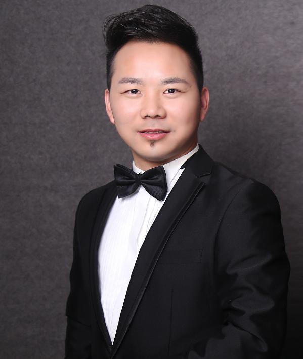 设计师杨君斌