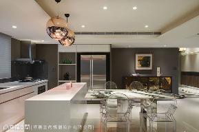 二居 现代 厨房图片来自幸福空间在生活×艺术 隽永的155平家居时尚的分享