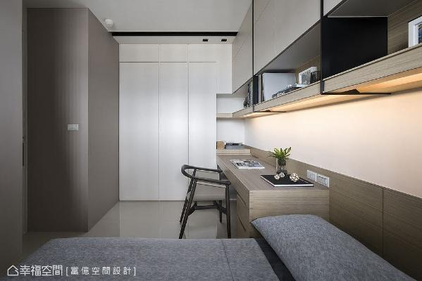 利用一体成形设计,将卧榻床架、书桌、柜体合而为一;衣柜运用几何切割线条变化,打造出宛如积木堆栈般造型。
