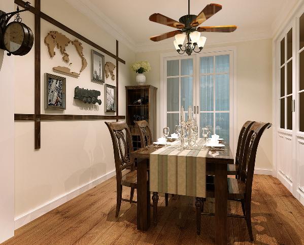美式风扇灯,木色家具的搭配,耐人寻味处透露亘古而久远的芬芳。