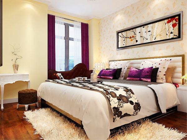 卧室色调统一富有现代感,灯具采用水晶吊灯风格,接近自然的亲切感,背景墙贴米黄色印花壁纸,窗帘采用紫色营造浪漫温馨的空间。让人在繁忙的生活当中,有一个完全的放松的空间。