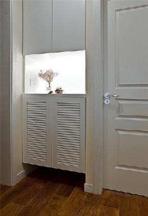 玄关图片来自家装大管家在高颜值舒适 100平北欧清爽3居室的分享