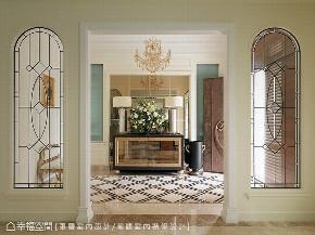别墅 七居 玄关图片来自幸福空间在童话般华丽风城堡 实现家的梦想的分享