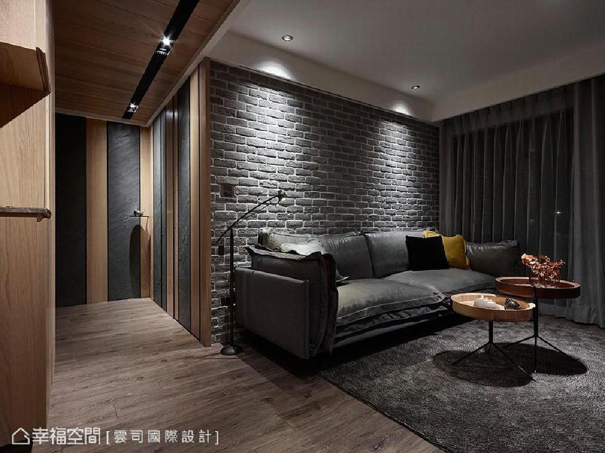 背墙运用灰色文化石砌筑粗犷感受,为温润场域增添质朴氛围,巧手撷取北欧及工业两种风格精髓,使空间调性相辅相成。