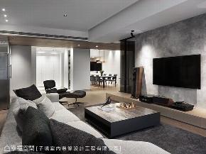 三居 现代 大户型 客厅图片来自幸福空间在简约好品味 198平现代木色暖馨居的分享