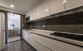 厨房图片来自家装大管家在107平现代简约3居 平淡不失韵味的分享