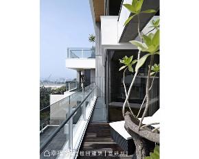 现代 别墅 阳台图片来自幸福空间在1518平靓海築 绝美观景宅的分享