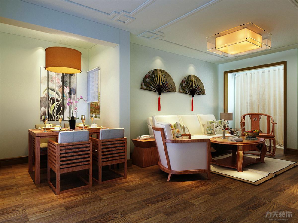 客厅与餐厅相对靠近入户门,此点在风水上的比较好的