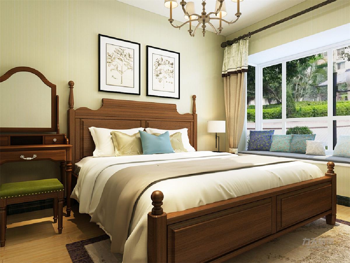 主卧是一间主人房,通过暖色调的营造一种浪漫和温情的氛围,挂画背景墙美观富有内涵,运用的彩色都是用在易更换的地方,可以更好的使一个空间多变化。