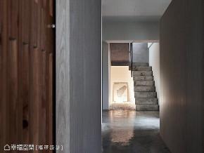 三居 跃层 玄关图片来自幸福空间在139平鱼之乐的分享