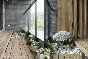 大户型 现代 阳台图片来自幸福空间在185平喧嚣城市中的人文秘境的分享