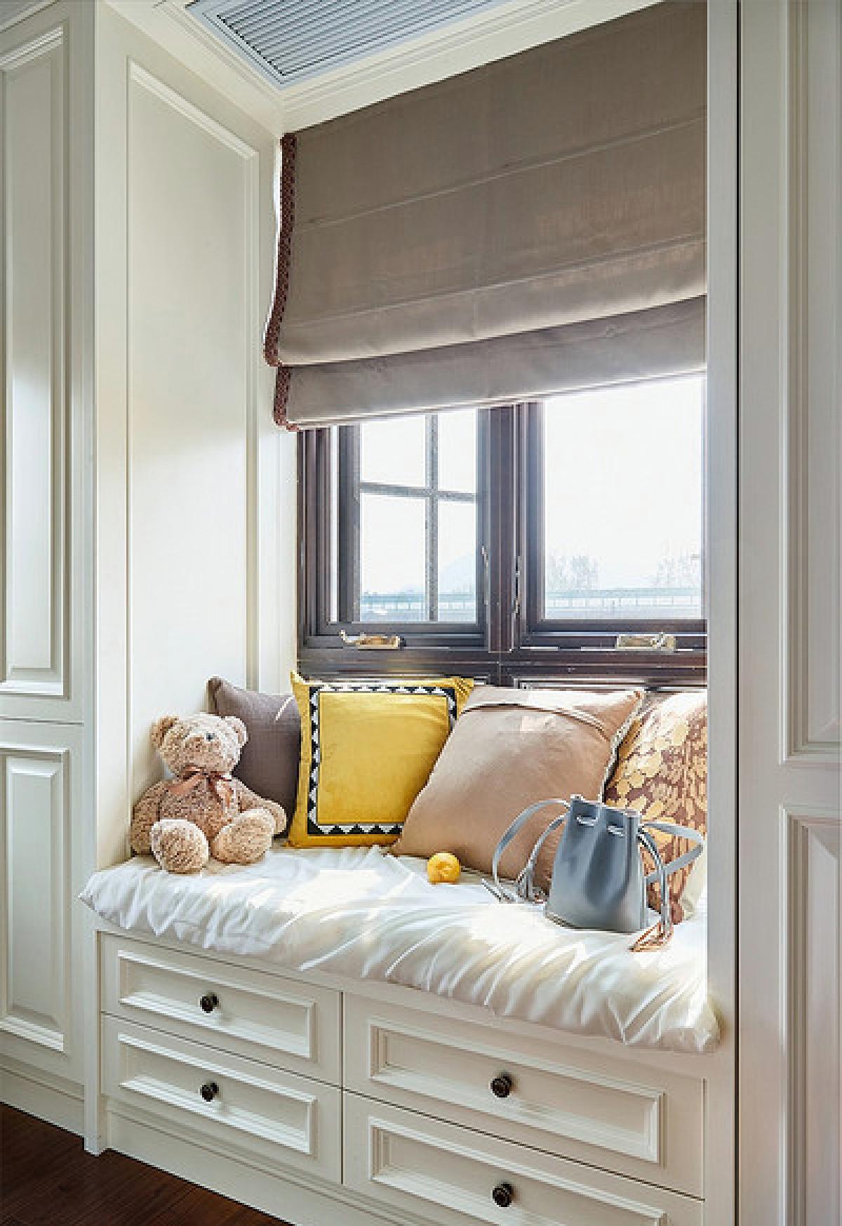 卧室飘窗论+�_卧室飘窗