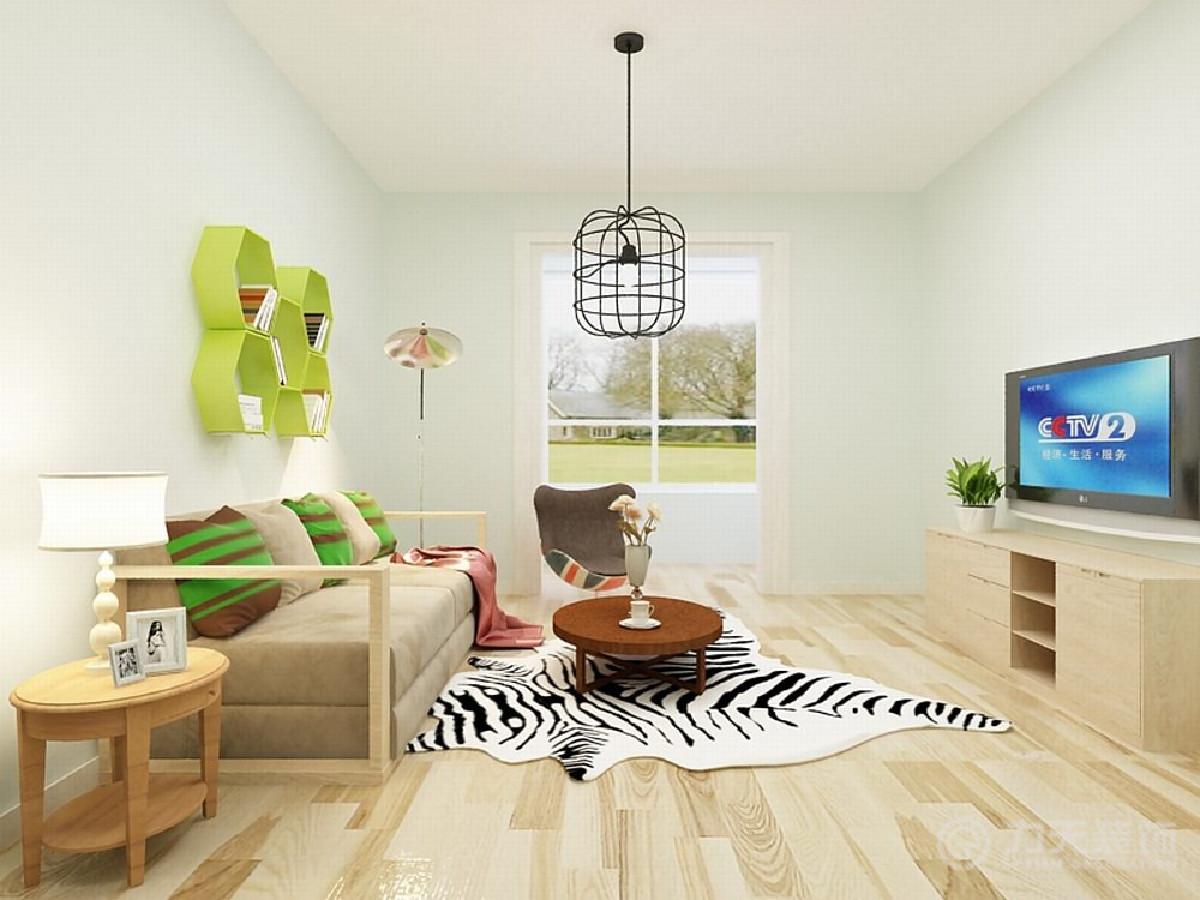 客厅中的家具以木框架为主,布艺材质舒适温馨,一个花纹独特的卧椅,以及斑马纹的地毯,带来浓烈的自然气息和异国风情。