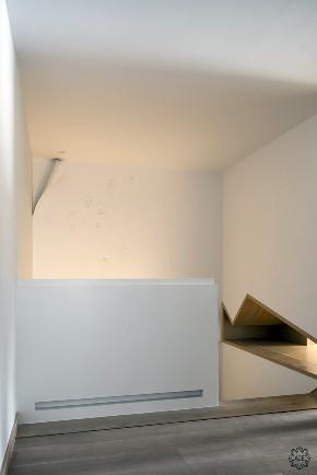 楼梯图片来自谢辉室内定制设计服务机构在温情容器的分享