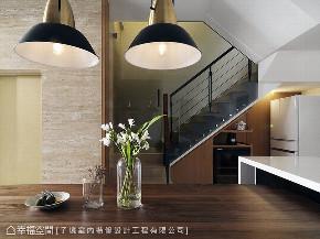 别墅 现代 五居 楼梯图片来自幸福空间在贴心客制化 330平好感日光别墅的分享