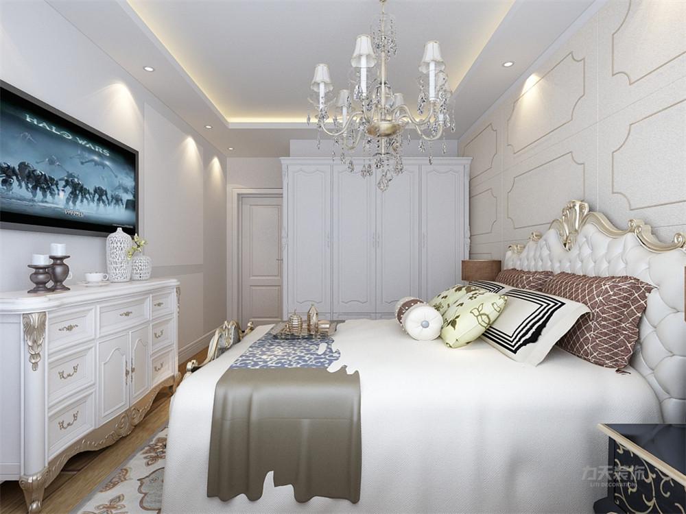 卧室的设计很舒适,吊顶的设计为石膏板回字形吊顶,床头背景墙采用石膏图片