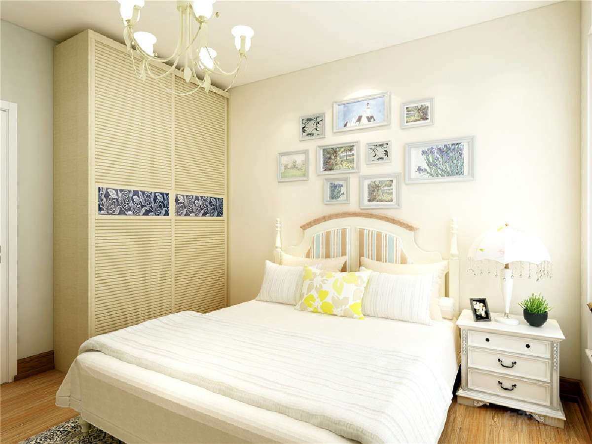 主卧位于房型右上具有良好的私密性,主卧有一个大飘窗,所以在采光,通风方面也不用担心。