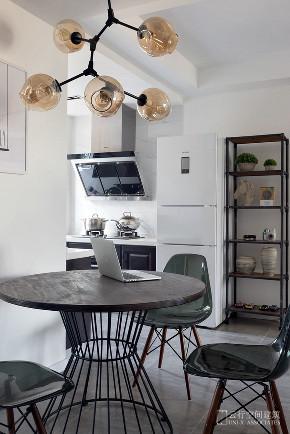 厨房图片来自云行设计-邢芒芒在墨调 丨 给予信任的家的分享