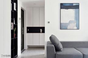 玄关图片来自云行设计-邢芒芒在最后的黑白丨理性的家的分享