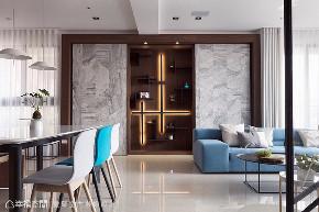 现代 大户型 三居 客厅图片来自幸福空间在最亲近的陪伴 264平温馨亲子住宅的分享