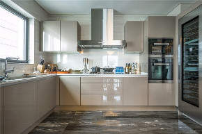 厨房图片来自我是小样在亿润·锦悦汇117平现代简约风格的分享