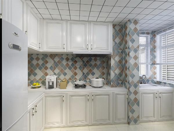 厨房有吊柜的设置,节省储物空间
