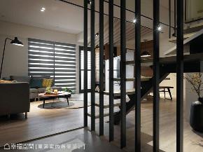 旧房改造 跃层 四居 玄关图片来自幸福空间在132平跃层 老屋翻出开阔新视野的分享