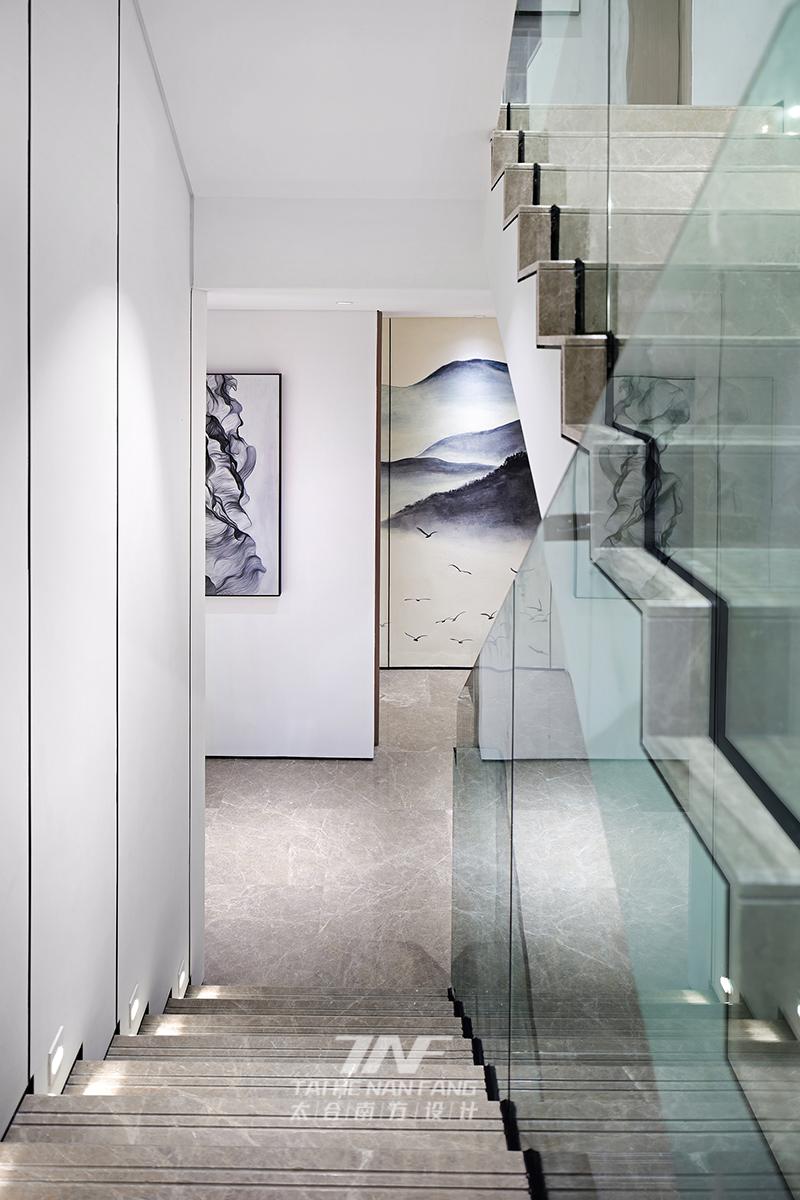 冠亚宽庐 别墅设计 王五平设计 豪宅设计 楼梯图片来自王五平设计在柳州冠亚宽庐双拼别墅样板房设计的分享