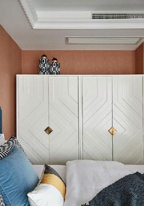 卧室图片来自家装大管家在简单优雅 100平现代美式混搭3居的分享