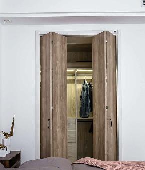 衣帽间图片来自家装大管家在简洁生活 118平工业风沉稳3居室的分享